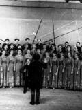 Сводный хор работников райбольницы и средних школ № 1 и № 2
